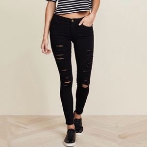 JUST IN! FRAME Jeanne Distressed Le Color Rip Noir